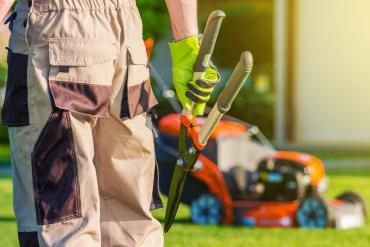 grass cutting services Dubai