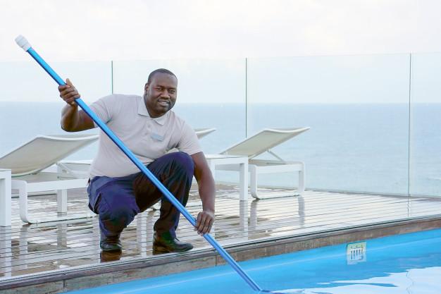 handyman swimming pool maintenance in Dubai